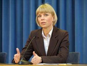 1-minister-elzbieta-bienkowska